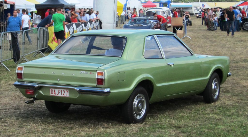Ford_Taunus_1.3_TC_ca_1974_Schaffen-Diest_2013
