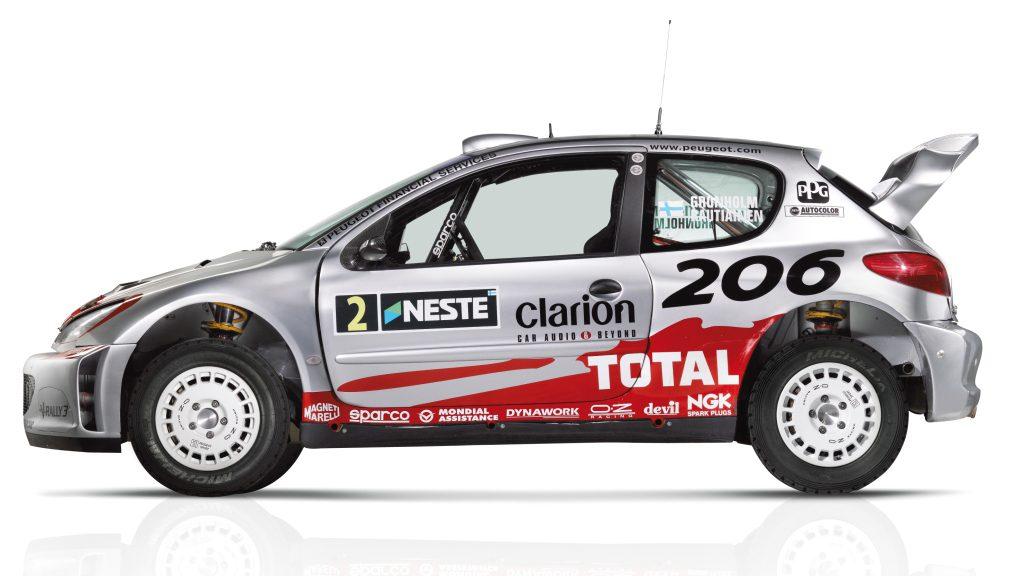 Campeão de rally. Crédito da foto: FlatOut